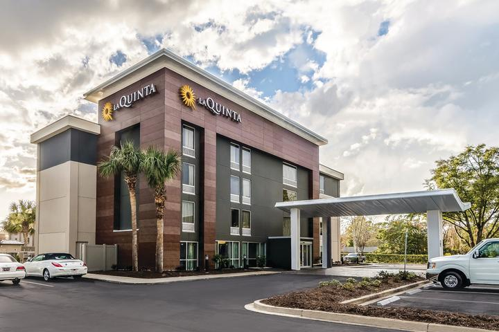 Pet Friendly La Quinta by Wyndham Myrtle Beach N Kings Hwy