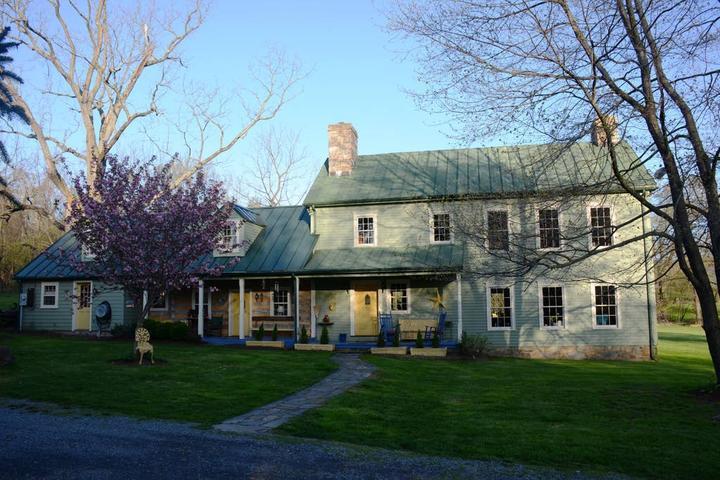 Pet Friendly Waterford Airbnb Rentals