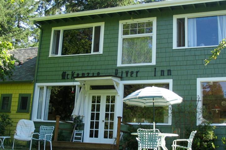 Pet Friendly McKenzie River Inn B&B and Cabins