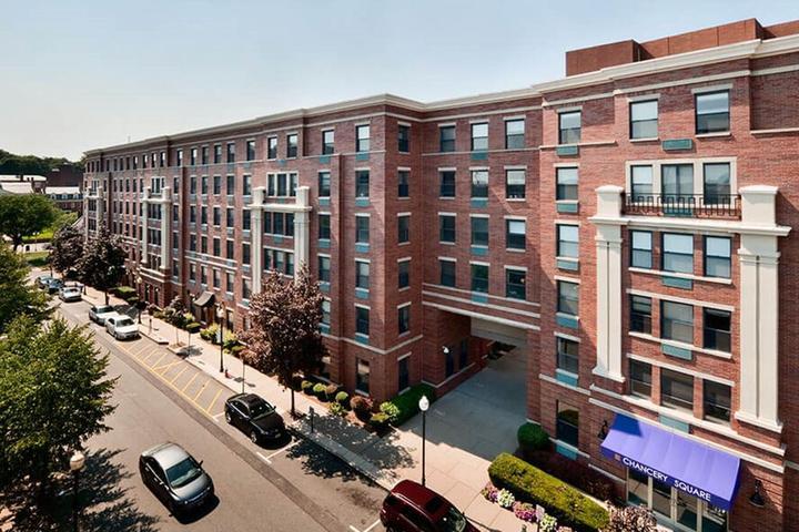 Pet Friendly Hotels in Stirling, NJ - Bring Fido