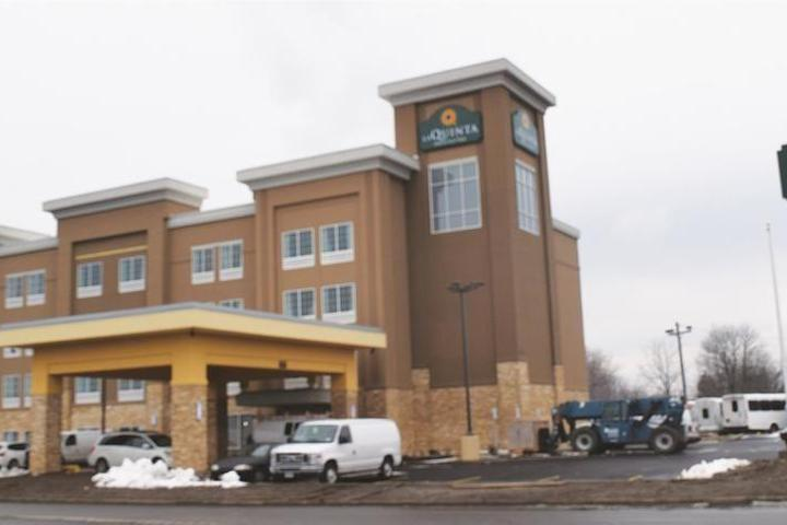 Pet Friendly La Quinta Inn & Suites Niagara Falls