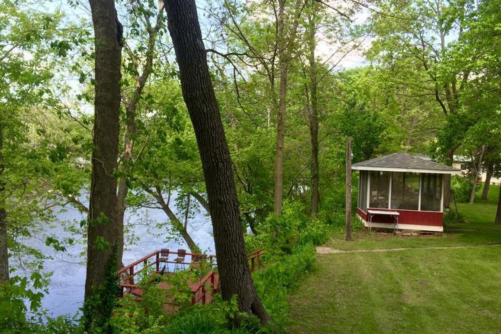 Pet Friendly Monticello Airbnb Rentals