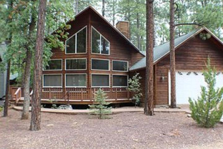 Pet Friendly Cabin in the Tall Pines