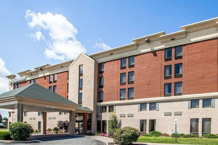 Pet Friendly Comfort Inn Lehigh Valley West