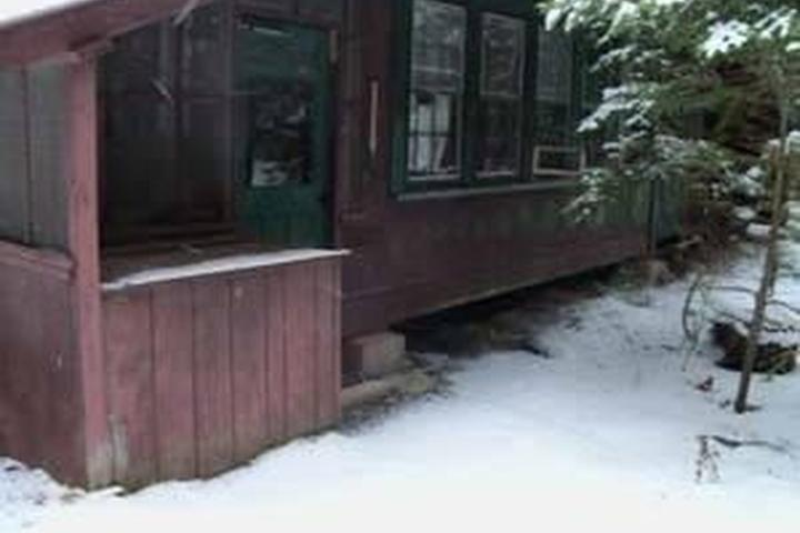 Awesome Pet Friendly Vacation Rentals In Saranac Lake Ny Bring Fido Home Interior And Landscaping Mentranervesignezvosmurscom