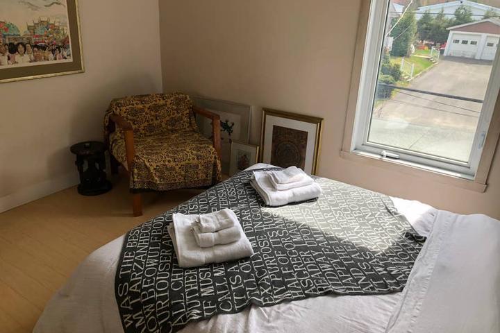Pet Friendly Saint-Etienne-des-Gres Airbnb Rentals