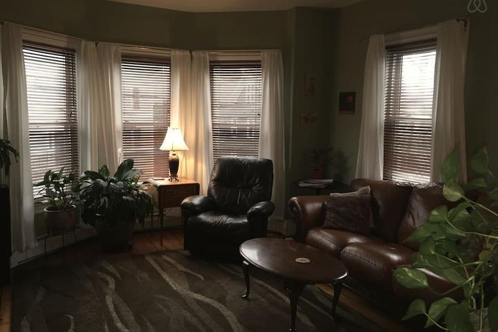 Pet Friendly Cumberland Airbnb Rentals