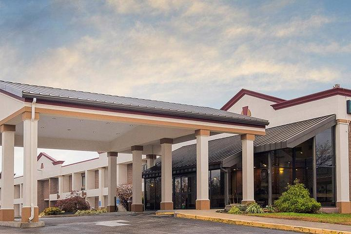 Pet Friendly Red Roof Inn & Suites Mt Holly McGuire AFB