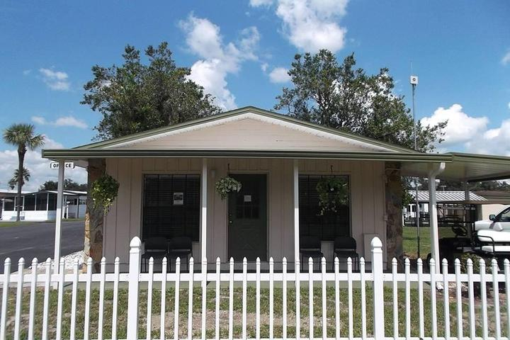 Pet Friendly Campgrounds in Zephyrhills, FL - Bring Fido