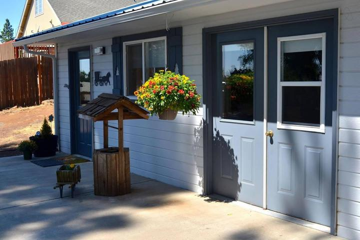 Pet Friendly Goldendale Airbnb Rentals