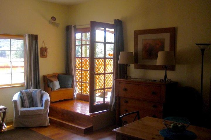 Pet Friendly Topanga View Private Cottage