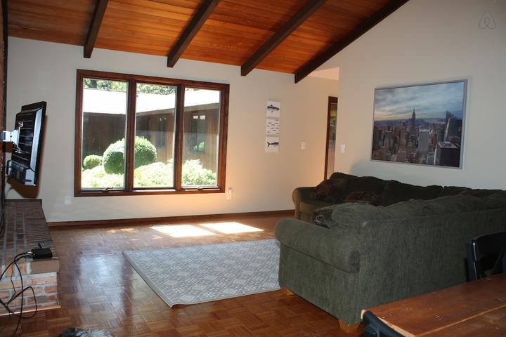 Pet Friendly Summit Airbnb Rentals