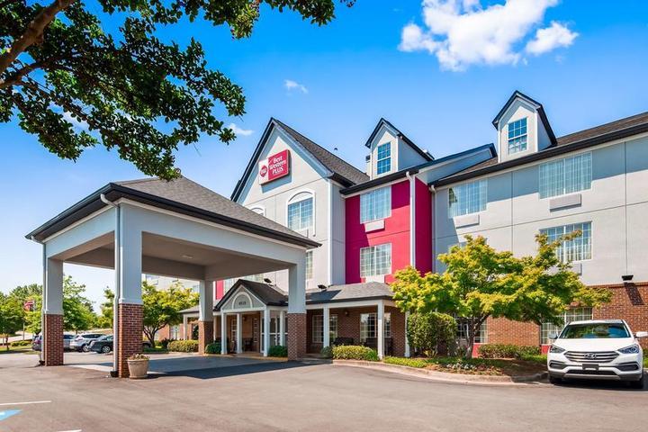 Pet Friendly Best Western Plus Lake Lanier Gainesville Hotel & Suites