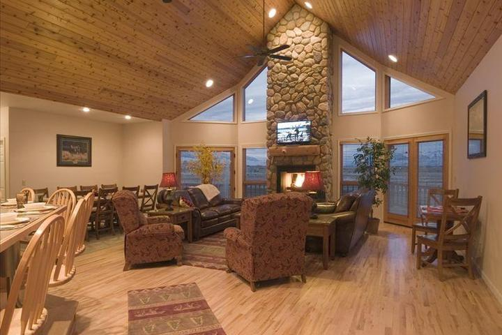 Pet Friendly Hotels in Yellowstone National Park, WY - Bring