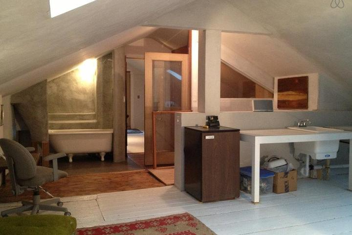 Pet Friendly Bozrah Airbnb Rentals