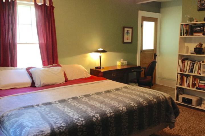 Pet Friendly Syracuse Airbnb Rentals