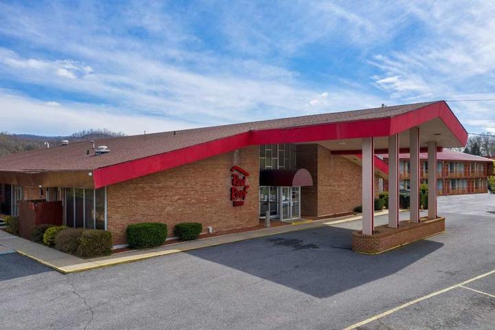Pet Friendly Red Roof Inn Marion, VA