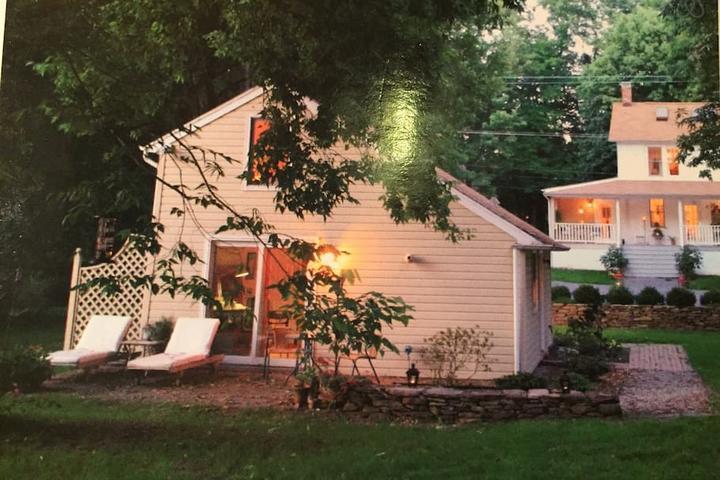 Pet Friendly Hatfield Airbnb Rentals