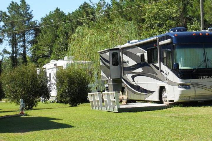 Pet Friendly Cabin Creek Campground & Mobile Home