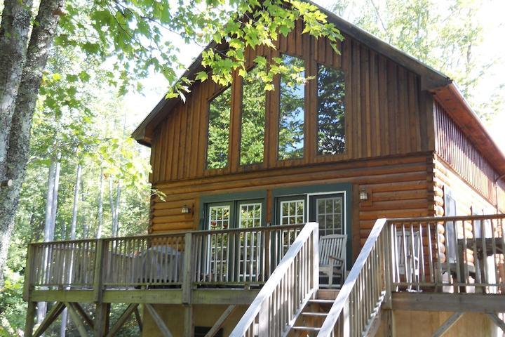 Pet Friendly Graysland Cabin at the Falls