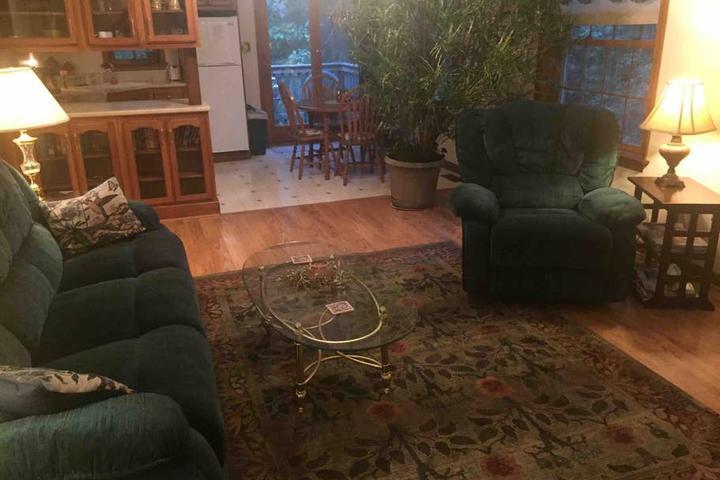 Pet Friendly Gilbertsville Airbnb Rentals