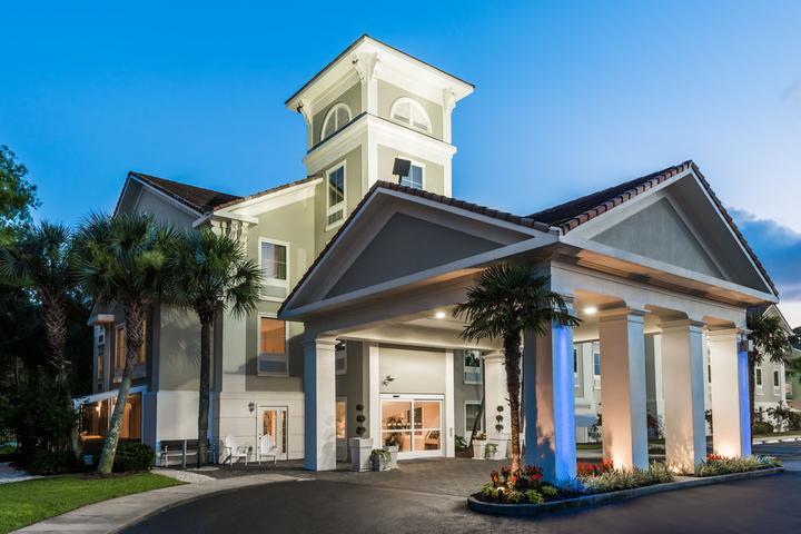 Pet Friendly Holiday Inn Express Fairhope Point Clear