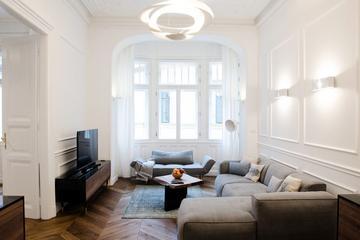 Pet Friendly Hi5 Apartments - Luxury Suits