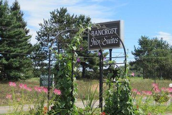 Pet Friendly Bancroft Inn & Suites