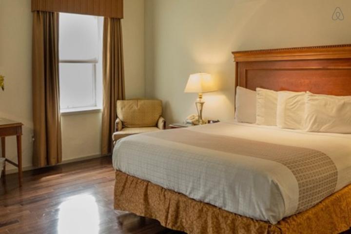 Pet Friendly Coopersburg Airbnb Rentals