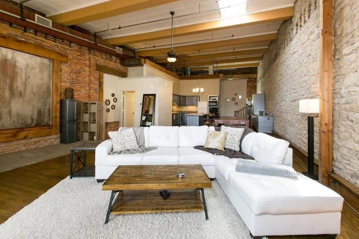 Pet Friendly Lift Bridge Loft