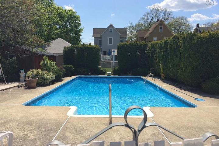 Pet Friendly East Rutherford Airbnb Rentals