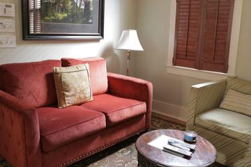 Pet Friendly Vacation Rentals In Charleston Sc Bringfido,King Bedroom Discontinued Ashley Furniture Bedroom Sets