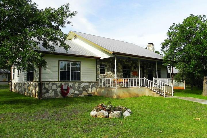 Pet Friendly Blackbuck Lodge Bandera County