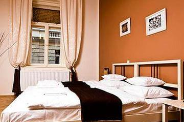 Pet Friendly Budapest Rooms - Bed & Breakfast