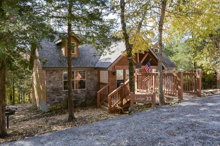 Pet Friendly Peaceful Dogwood Lodge
