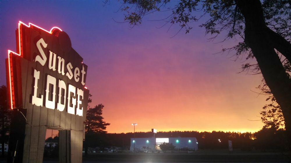Sunset Lodge Escanaba Pet Policy