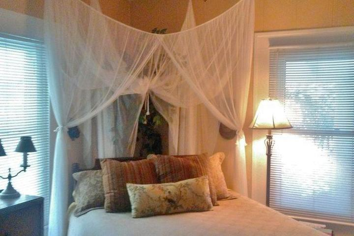 Pet Friendly The Old Carrabelle Hotel