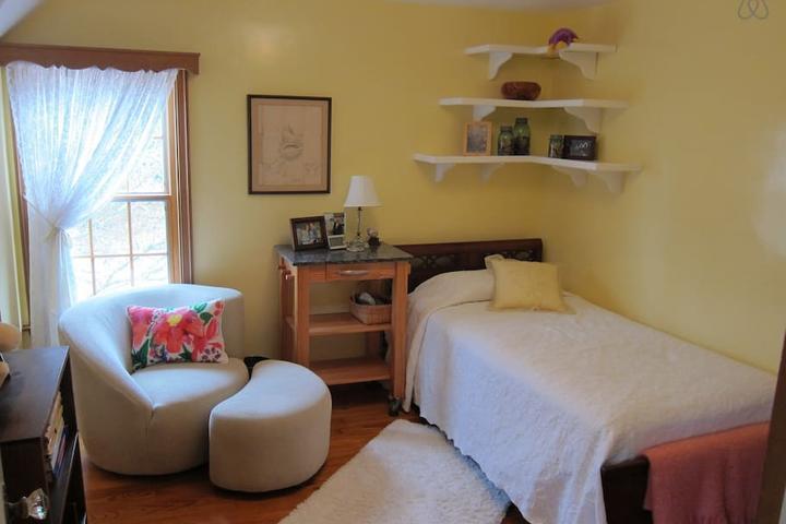 Pet Friendly Baltimore Airbnb Rentals