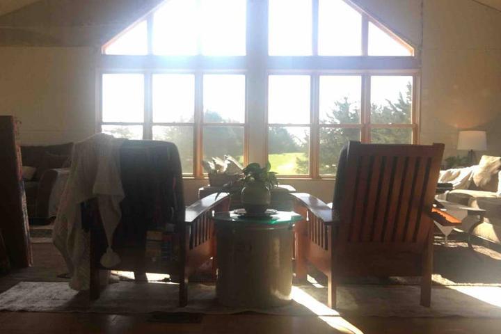 Pet Friendly Sunburg Airbnb Rentals