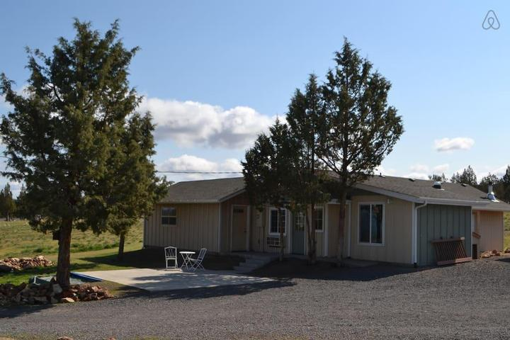 Pet Friendly Powell Butte Airbnb Rentals