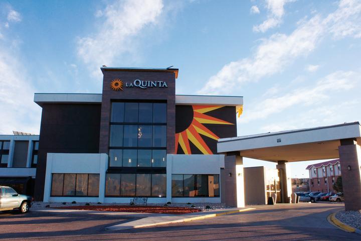 Pet Friendly La Quinta Inn & Suites Colorado Springs North