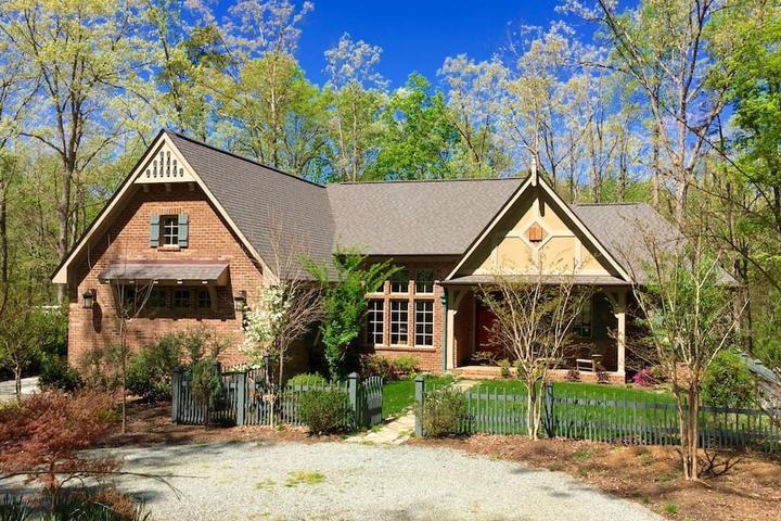 Pet Friendly Chapel Hill Airbnb Rentals