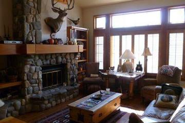 Pet Friendly 3 Bedroom Close to Slopes