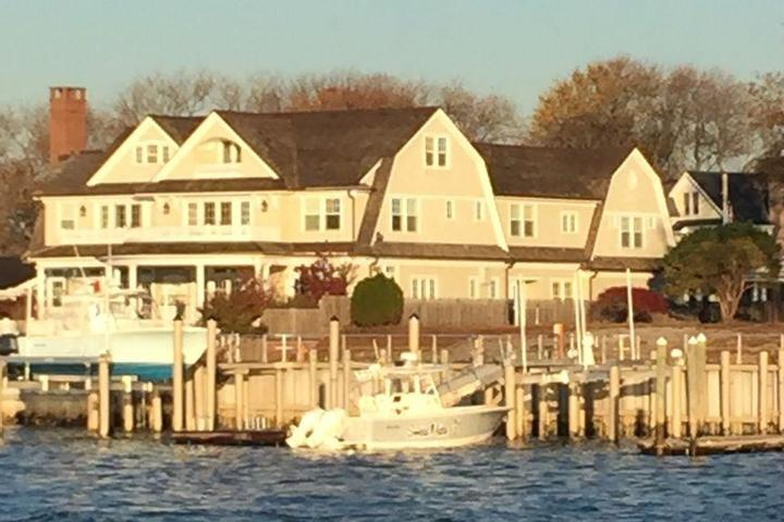 Pet Friendly Spectacular Waterfront Home