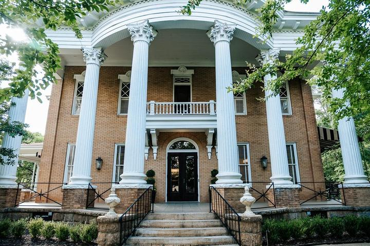 Pet Friendly Heritage House Lodging & Events