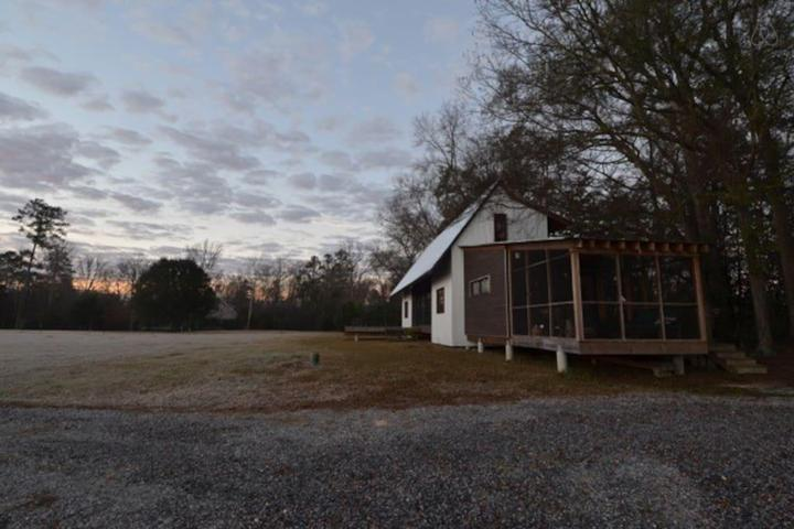 Pet Friendly Sumrall Airbnb Rentals