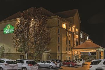 Pet Friendly La Quinta Inn & Suites Pigeon Forge
