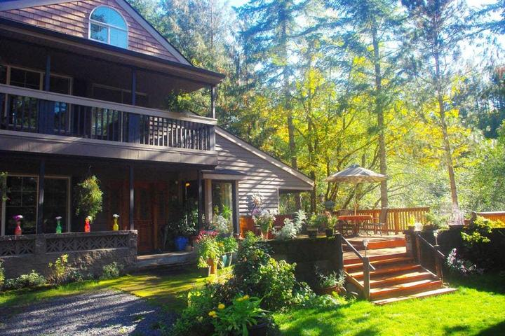 Pet Friendly Idanha Airbnb Rentals