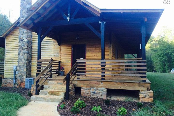 Pet Friendly Hickory Airbnb Rentals