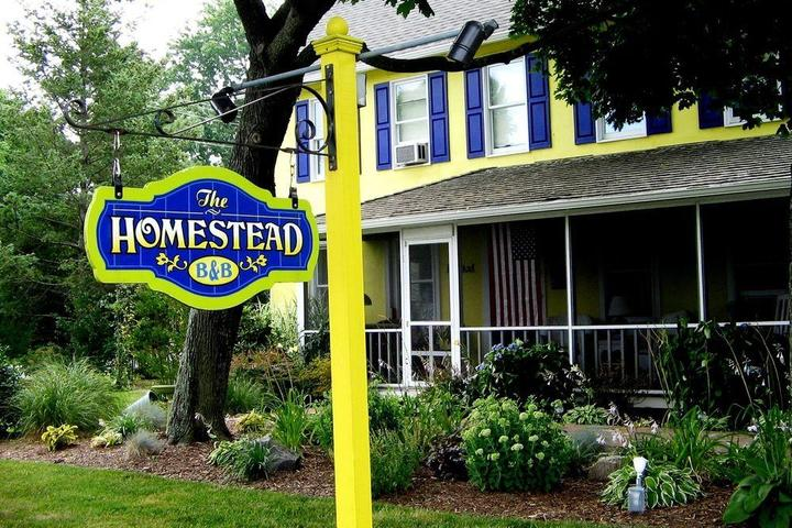 Pet Friendly Homestead Bed & Breakfast at Rehoboth